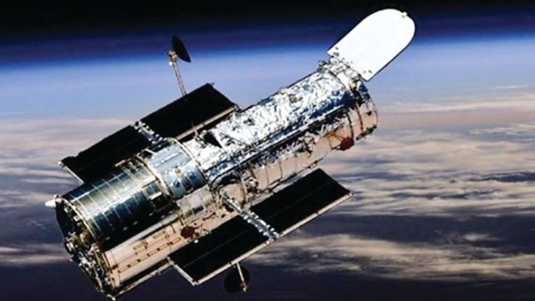 Photo of توقف تلسكوب هابل عن العمل منذ أيام