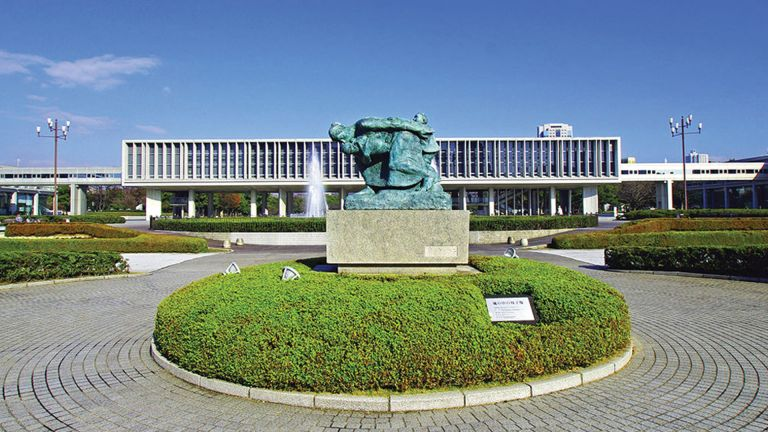 Photo of اليابان تُعيد فتح متحف هيروشيما التَّذكاري للسلام