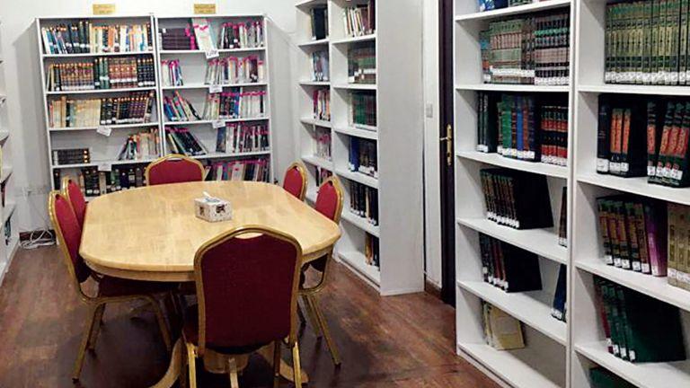Photo of كنوز المعرفة الإنسانية في «مكتبة الجسرة»