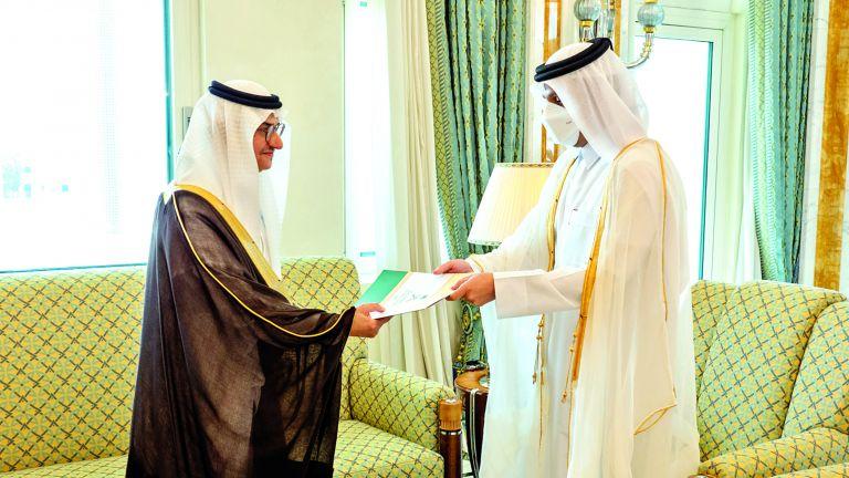 Photo of نائب رئيس الوزراء يتسلم نسخة من أوراق اعتماد السفير السعودي