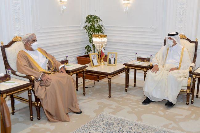 Photo of وزير التنمية الإدارية يجتمع مع وزير الإسكان والتخطيط العمراني العماني