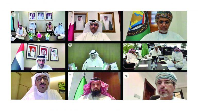 Photo of ضرورة التعاون الخليجي لمواجهة التحديات الجديدة