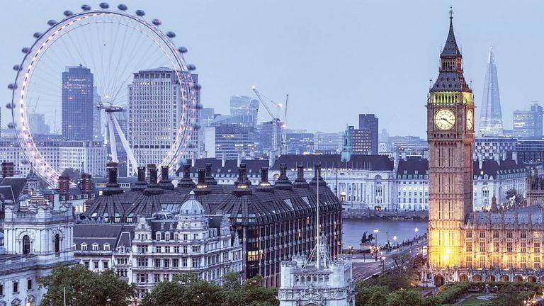 Photo of تجار بريطانيون يطالبون بتخفيف إجراءات العزل