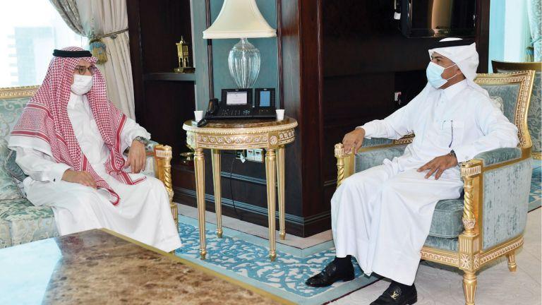 Photo of أمين عام الخارجية يجتمع مع السفير السعودي