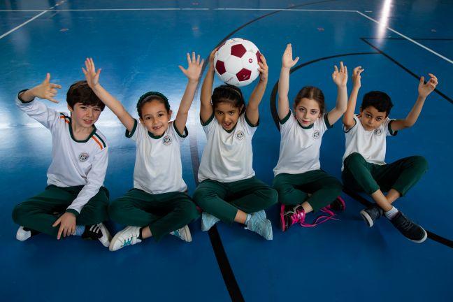 Photo of أطفال المدارس في قطر متحمسون لاستضافة الدوحة المونديال العام القادم