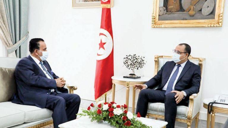 Photo of رئيس الحكومة التونسية يجتمع مع سفيرنا