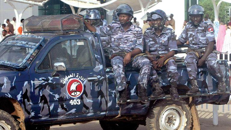 Photo of السودان: 4 قتلى بانفجار نادٍ رياضي