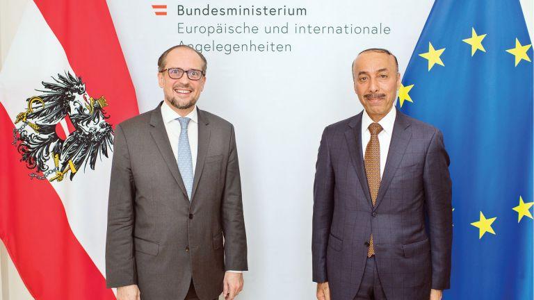 Photo of وزير خارجية النمسا يجتمع مع سفيرنا