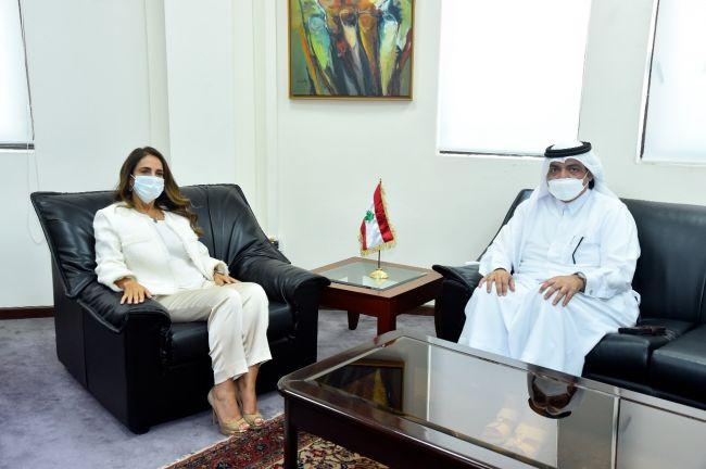 Photo of نائبة رئيس مجلس الوزراء ووزيرة الدفاع اللبنانية تجتمع مع سفير قطر