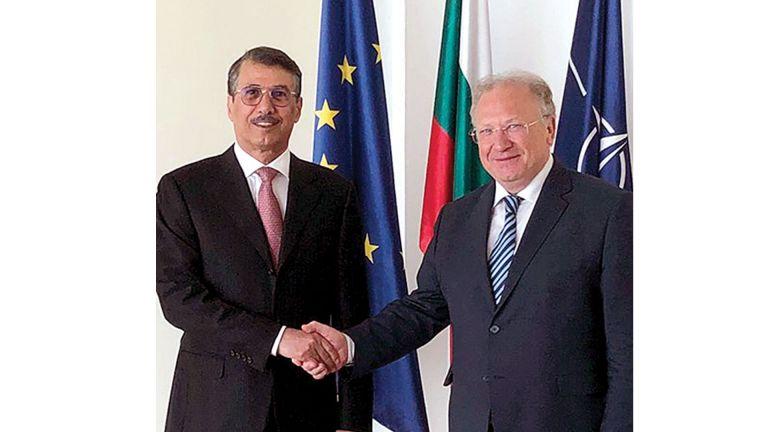 Photo of وزير الخارجية البلغاري يجتمع مع سفيرنا