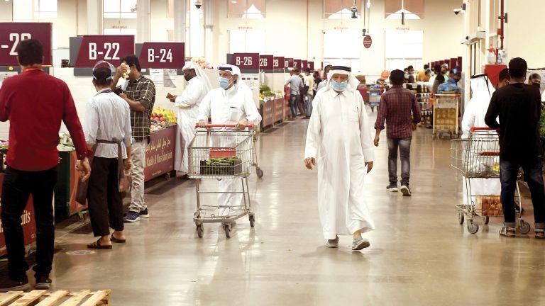 Photo of إقبال على سوق الخضراوات المركزي بالسيلية
