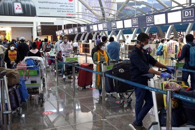 Photo of سلطنة عمان ترفع حظرا عن القادمين من سنغافورة وبروناي