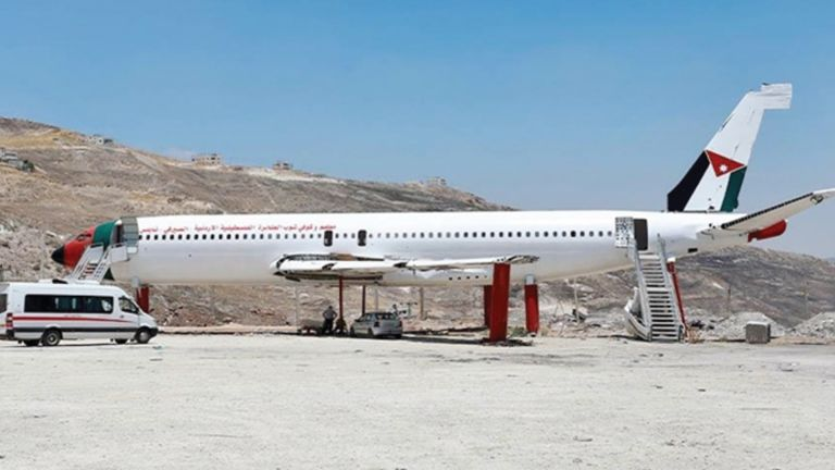Photo of فلسطينيان يُحوّلان طائرة «بوينغ 707» إلى مطعم