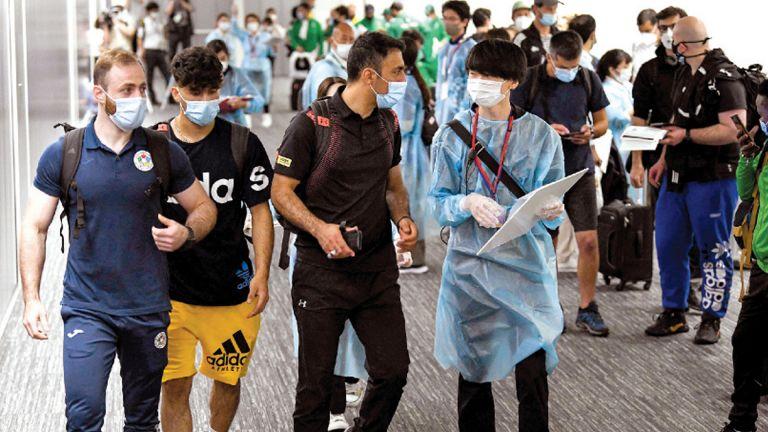 Photo of «فريق اللاجئين» يصل إلى طوكيو