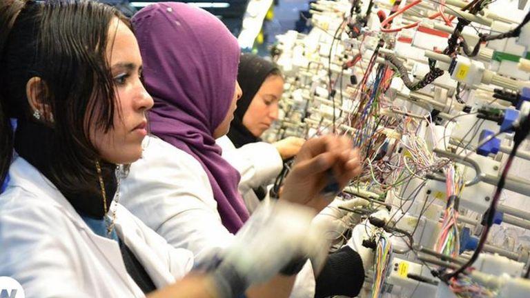 Photo of النساء الأكثر تضررًا من كورونا في سوق العمل