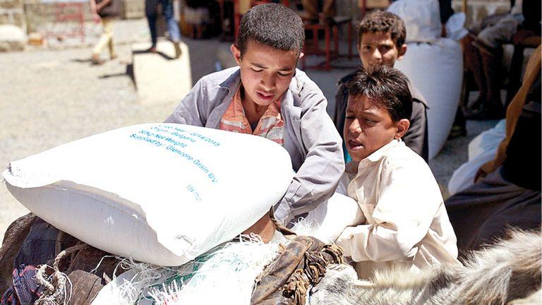 Photo of المساعدات القطرية تخفف المأساة الإنسانية في اليمن