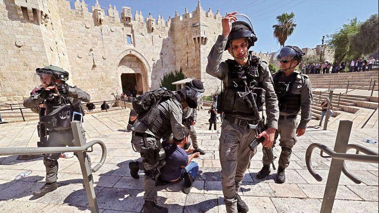 Photo of إصابة 10 فلسطينيين برصاص قوات الاحتلال جنوب نابلس