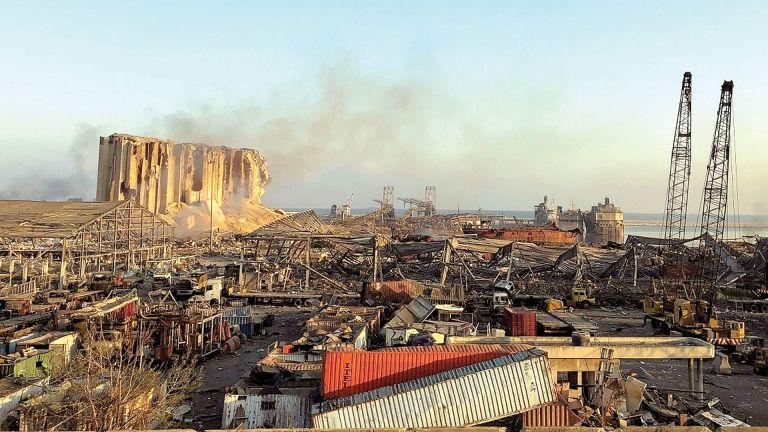 Photo of اللبنانيون يسعون للتعافي من مأساة انفجار بيروت