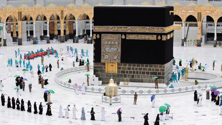 Photo of السعودية تعلن اختتام موسم الحج بنجاح