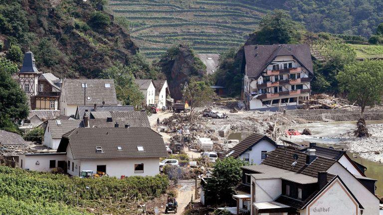 Photo of ألمانيا تناشد المتطوعين الابتعاد عن مناطق كارثة الفيضانات