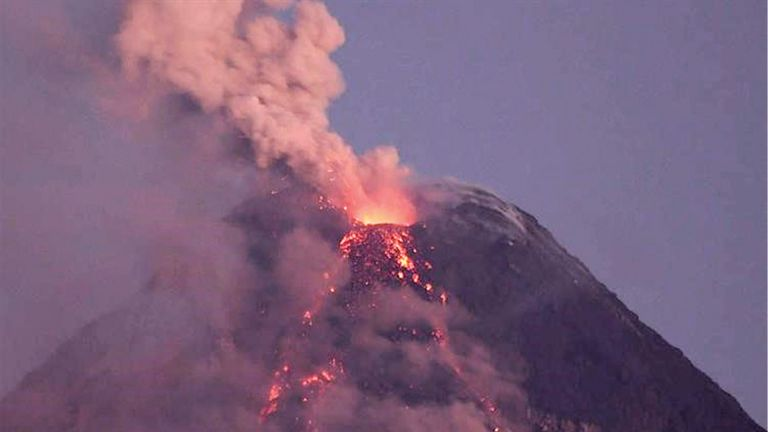 Photo of الفلبين تخفض مستوى التأهب لبركان «تال»
