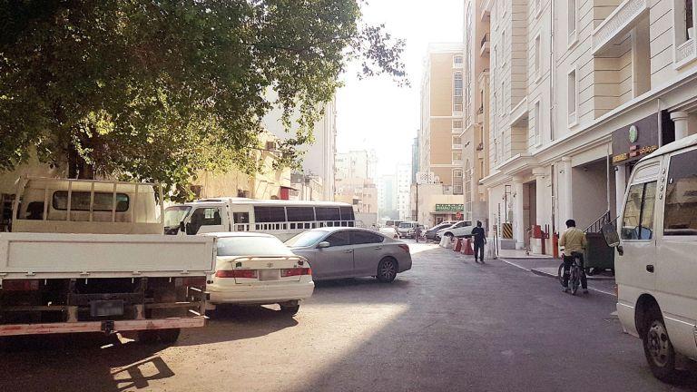 Photo of المواقف العشوائية تخنق شوارع الدوحة الجديدة
