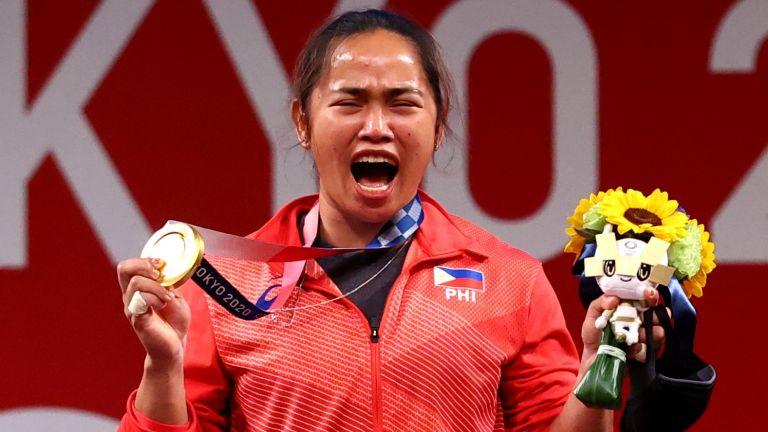 Photo of الفلبين تحتفل بأول ميدالية ذهبية أولمبية في تاريخها