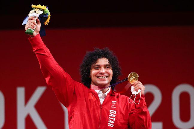 Photo of بالفيديو والصور.. الربّاع فارس إبراهيم يهدي قطر أول ميدالية ذهبية في تاريخها ورقم أولمبي جديد