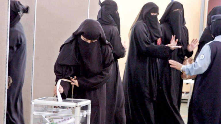 Photo of توقّعات بمشاركة نسائيّة واسعة في انتخابات الشورى