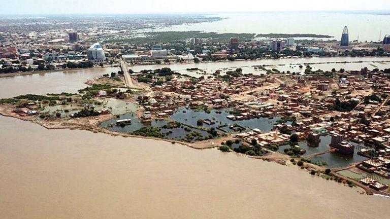 Photo of أقل من نصف متر يفصل السودان عن الفيضان