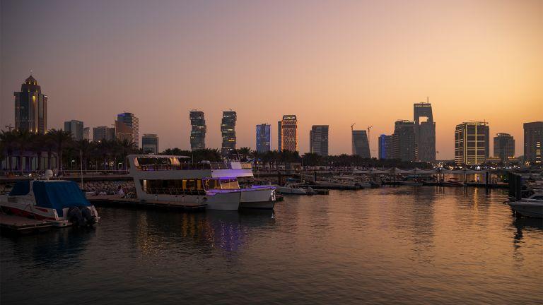 Photo of شهب البرشاويات تسطع في سماء قطر مساء بعد غد