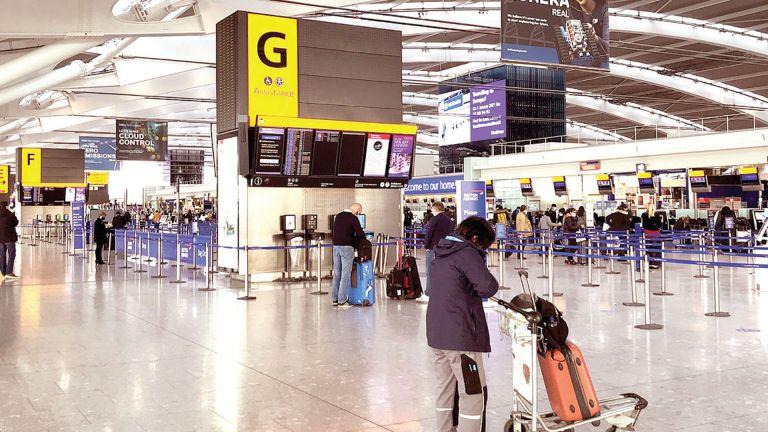 Photo of اتهام لقواعد السفر البريطانية بالفوضى