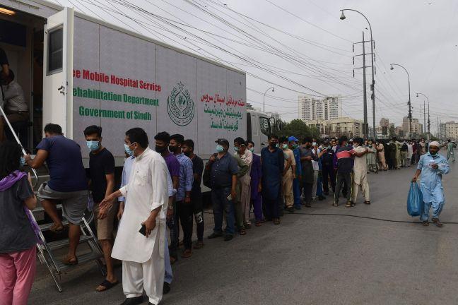 Photo of إقبال على التطعيم في باكستان