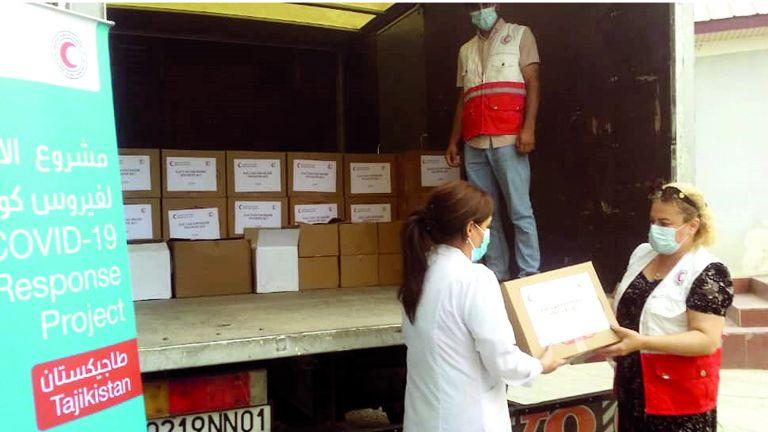 Photo of الهلال الأحمر يعزّز جهود مكافحة كورونا في طاجيكستان
