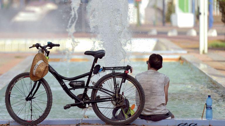 Photo of إسبانيا تسجل درجة حرارة قياسية بلغت 47.4 درجة