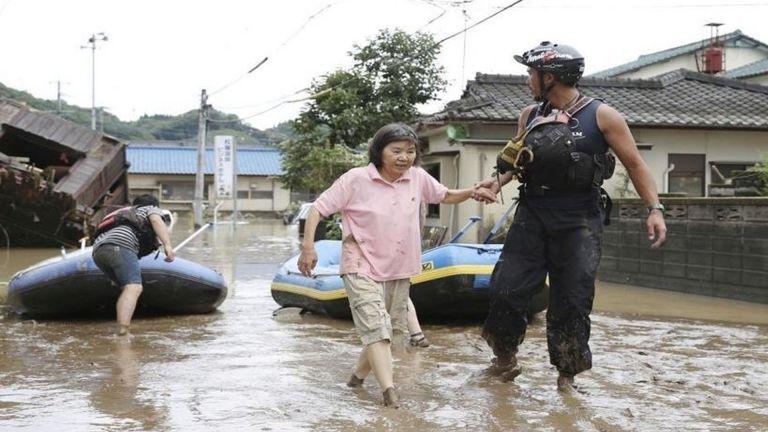 Photo of فيضانات مدمرة في جزيرة كيوشو اليابانية