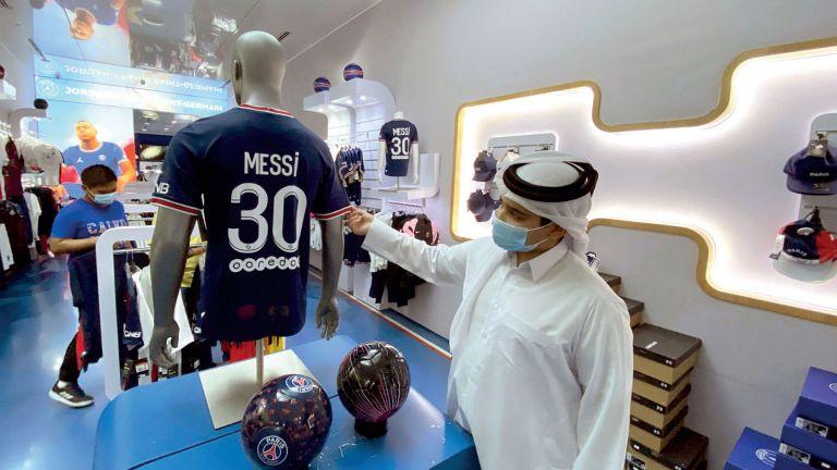 Photo of ترقب جماهيري لوصول ميسي إلى الدوحة