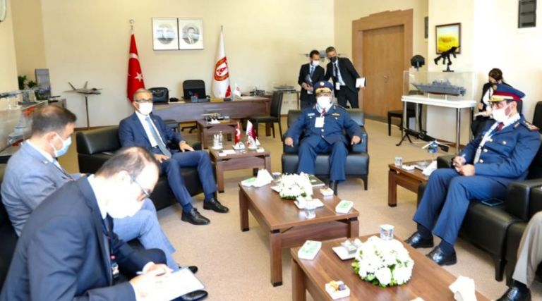 Photo of رئيس الأركان يجتمع مع مسؤولين عسكريين أتراك