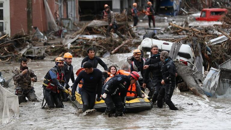 Photo of ارتفاع حصيلة ضحايا الفيضانات في شمال تركيا إلى 78 قتيلا