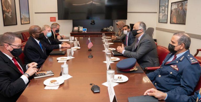 Photo of نائب رئيس مجلس الوزراء وزير الدولة لشؤون الدفاع يجتمع مع وكيل وزير الدفاع الأمريكي للاستخبارات والأمن