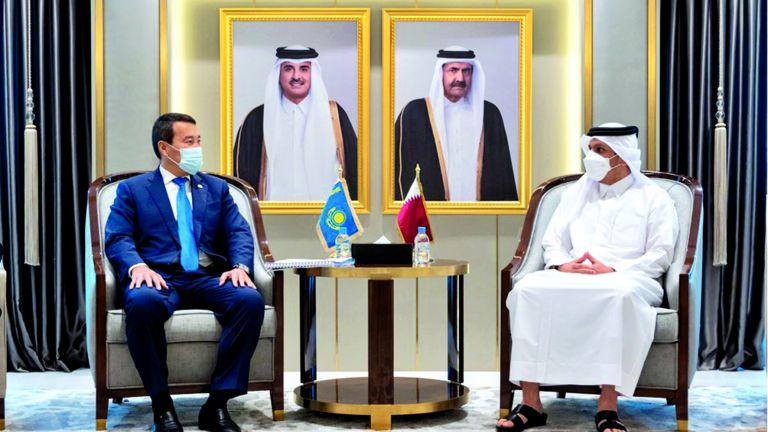 Photo of نائب رئيس الوزراء يجتمع مع النائب الأول لرئيس وزراء كازاخستان