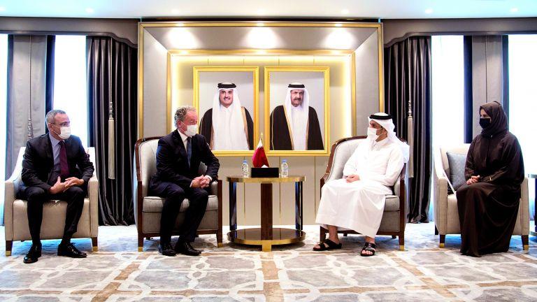 Photo of نائب رئيس الوزراء يجتمع مع المدير التنفيذي لبرنامج الأغذية العالمي