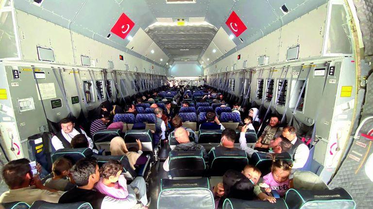 Photo of طالبان تطلب مساعدة تركيا لإدارة مطار كابول