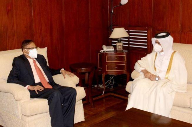 Photo of وزير الخارجية السريلانكي يجتمع مع سفير قطر