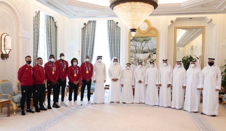 Photo of صاحب السمو يستقبل أبطال قطر في أولمبياد طوكيو 2020
