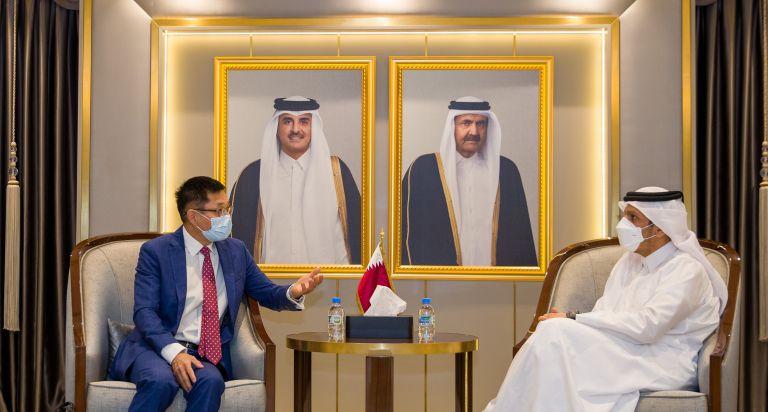 Photo of نائب رئيس مجلس الوزراء وزير الخارجية يجتمع مع المبعوث الصيني الخاص للشؤون الأفغانية