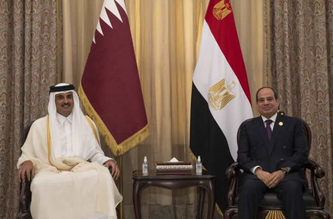 Photo of صاحب السمو يلتقي الرئيس المصري