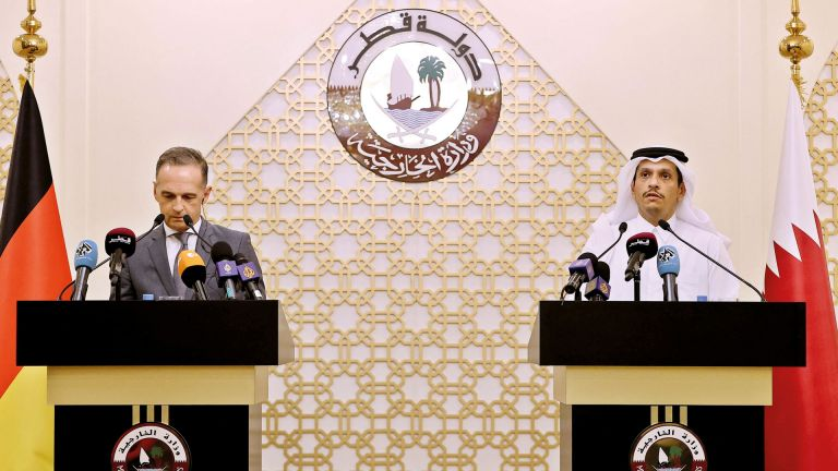 Photo of نائب رئيس مجلس الوزراء وزير الخارجية يجتمع مع وزير الخارجية الألماني