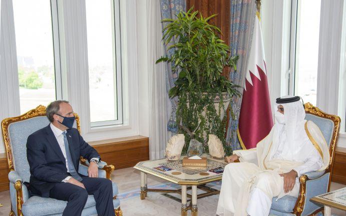 Photo of صاحب السمو يستقبل وزير الخارجية البريطاني
