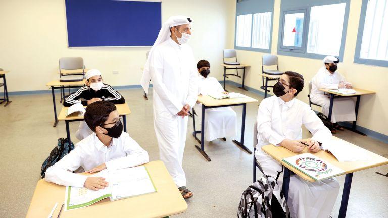 Photo of وزير التعليم يزور مدرسة ابن خلدون